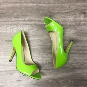 Michael Antonio Patent Leather Lime Green Pumps 6